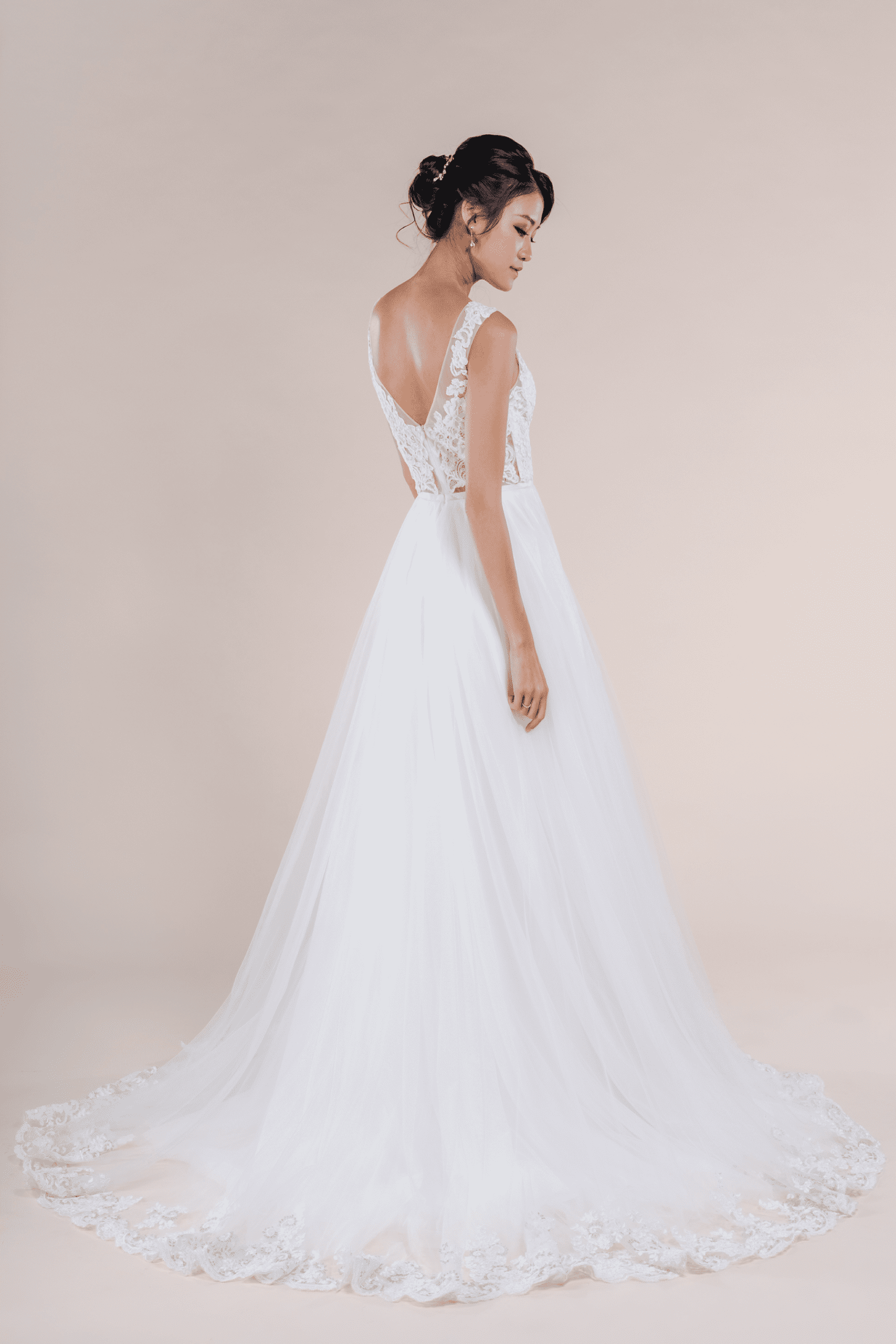 Charlotte-affordable-Bridal-Dress-for-rent-in-Singapore