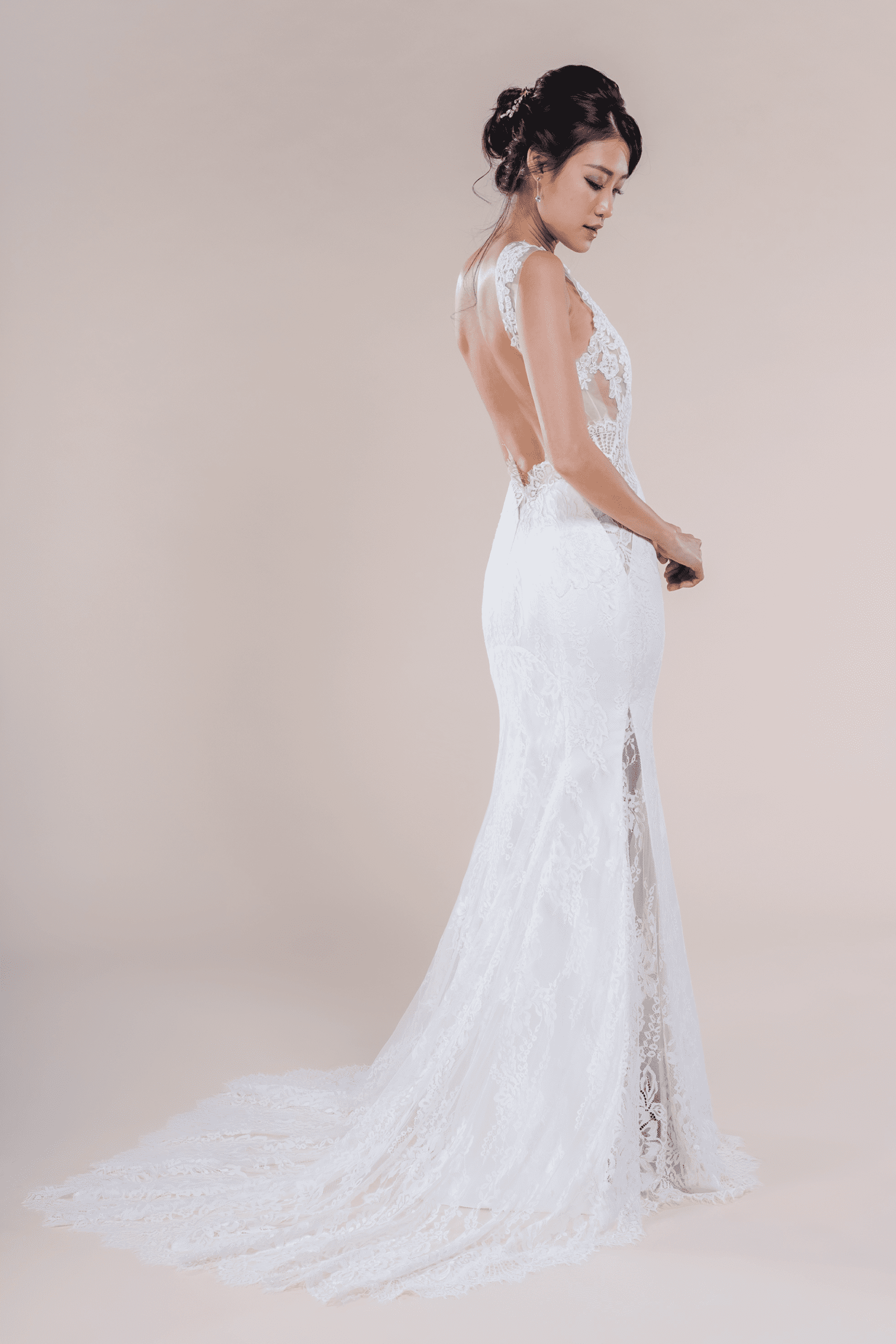 Stevie-affordable-Bridal-Dress-for-rent-in-Singapore